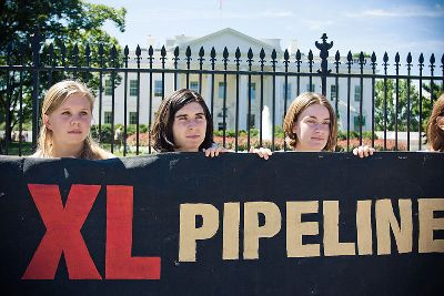 Sierra Club Moves Supporters to Contact Senators about Keystone XL Pipeline