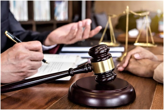 6 Benefits of Hiring Lawyers for Your Case