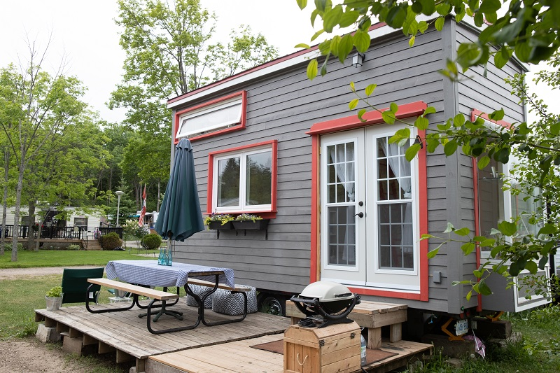 Pros and Cons of Living in a Tiny House