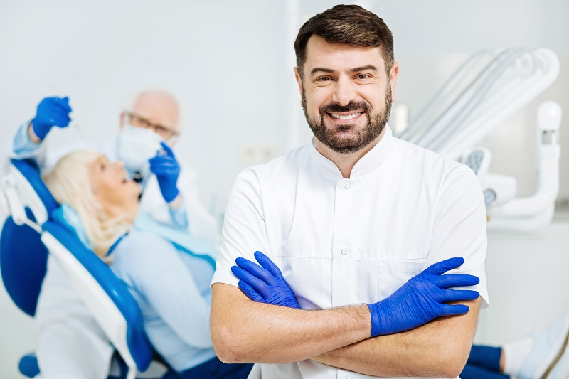 4 Reasons to Go to a Nationally Recognized Dentist for Oral Care